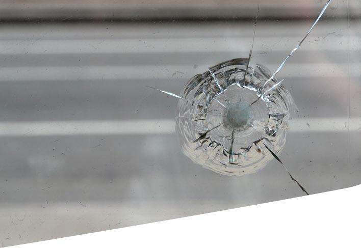 Car window bullseye crack